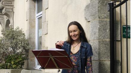 maliguene-broceliande-bretagne-eco-lieu-accueil-evenementiel-recital artiste
